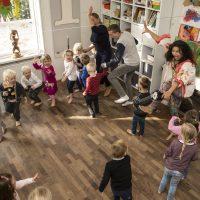 dans med børn